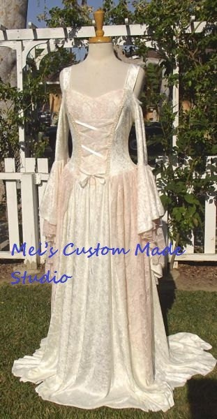 Custom Made Gwendolyn Medieval Velvet and Lace Cream&Pink Velvet Wedding Gown /Renaissance Costume/Party Dress(China (Mainland))