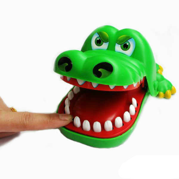 Crocodile Mouth Dentist Bite Finger Game 15*11*9cm Plastic Funny Toys Christmas Gift For Kids S20(China (Mainland))