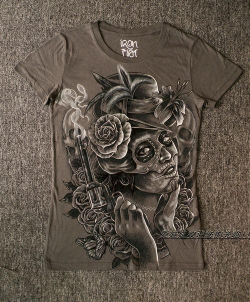 Free Shipping iron fist grey slim punk rock rose gun girl woman t-shirt(China (Mainland))