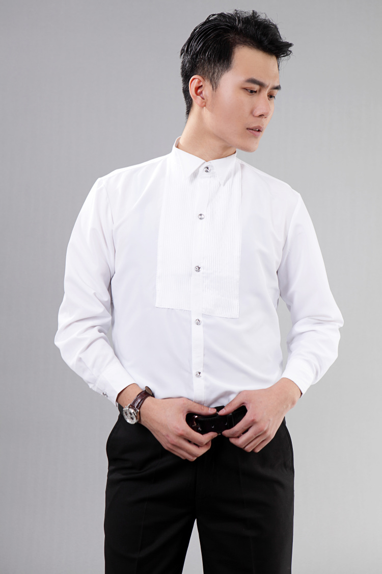 Online shopping sites offer you men's shirts from a wide range of reputed brands such as Arrow formal shirts, Van Heusen formal shirts, Allen Solly formal shirts, Blackberrys formal shirts, Turtle formal shirts and United Colors of Benetton formal shirts at great discounts. The various payment methods and after-sales service make shopping.