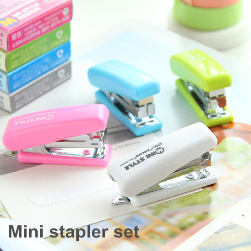 Mini Stapler set No. 10 Staples Mini style candy color stapler grampeador kawaii stationery office material school supplies 6653(China (Mainland))