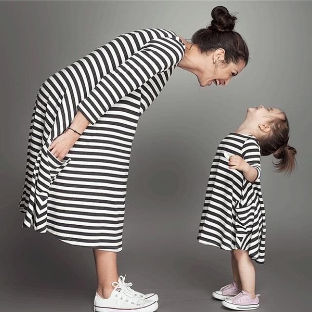 Семьи соответствующие наряды, Детские и мама женщины платье спокойной, Платье девушки, ...