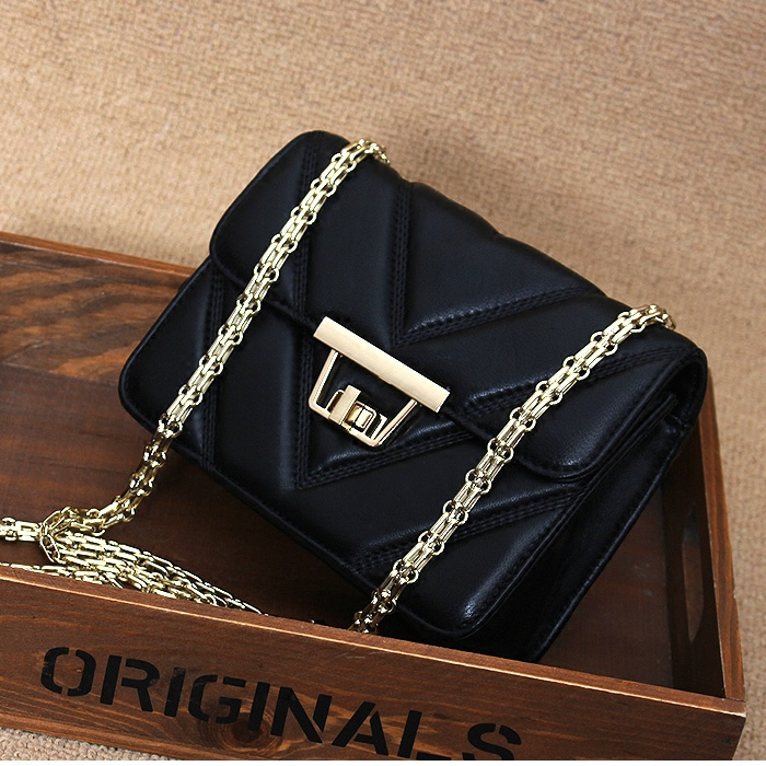 black small chains bags flap bags causal lady shoulder bags beautiful bags(China (Mainland))