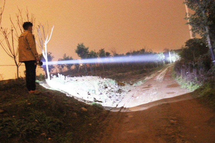 High quality rechargeable built-in battery usb handed Lamp Powerful led searchlight 500 meters flashligh for patrol Hunting