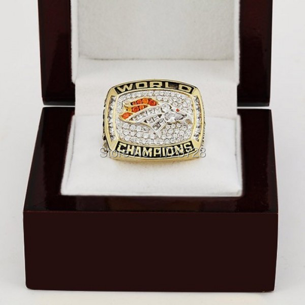 Free Shipping NFL 1997/1998 Super Bowl 10K Plated XXXII Denver Broncos Championship Replica Rings with Wooden Box(China (Mainland))