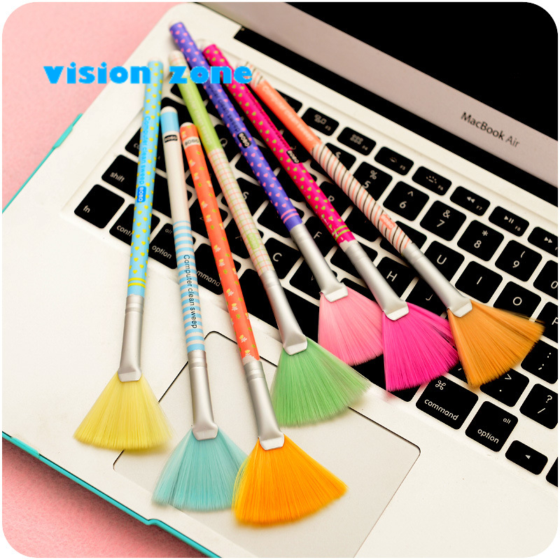 2Pcs 8Color Mobile Laptop PC Brush Computer Monitor Screen Keyboard Professional Cleaning Dust Brush Kit New Arrival 0095(China (Mainland))