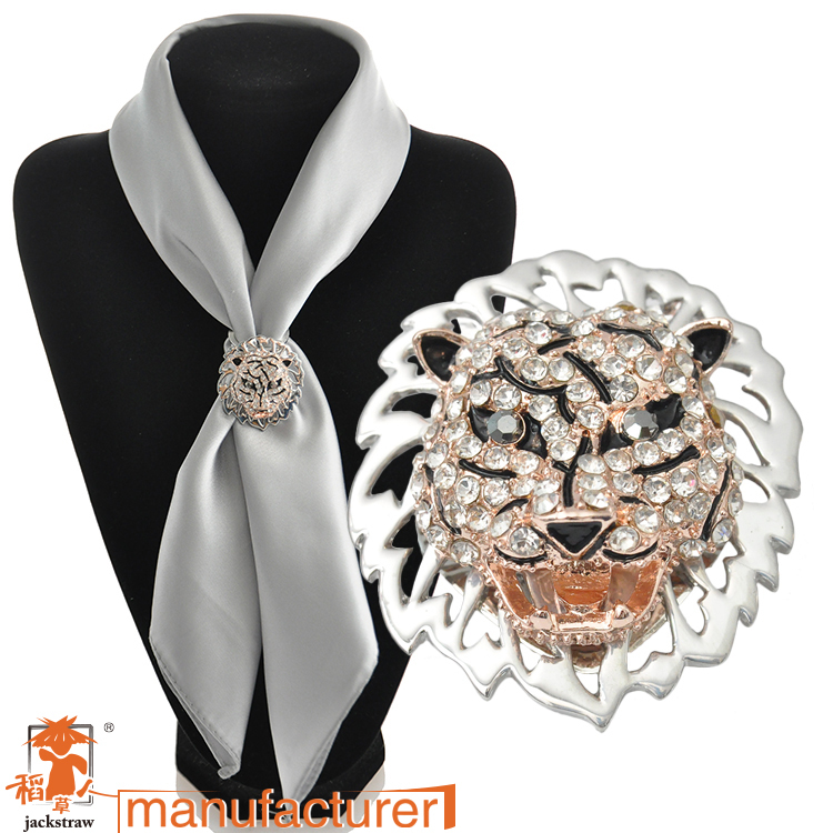 Europe and the United scarf buckle wholesale new personalized color plated tiger head scarf buckle crystal brooch with two drip(China (Mainland))
