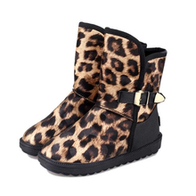 Sexy Zapatos de Mujer de Invierno la Nieve Zapatos 2016 Señoras Calientes de la Felpa Corta Zapatos de Leopardo Botas De Cuero Comodidad Zapatos de la Muchacha(China (Mainland))