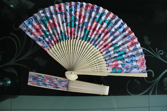 20pcs/lot high quality Japanese style bamboo folding fan with beautiful butterfly design as decorations or business gift