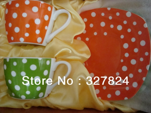 Free shipping high quality  mug with saucers cute ceramic coffee mug couple cup with Polka Dots 2pcs/bag color orange and green