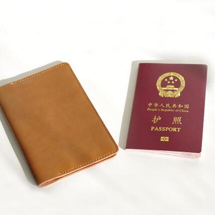 New Fashion Passport Bag Utility Genuine Leather Passport Holder Credit Crad Bag Travel Pouch ID Card Package Case Men Women