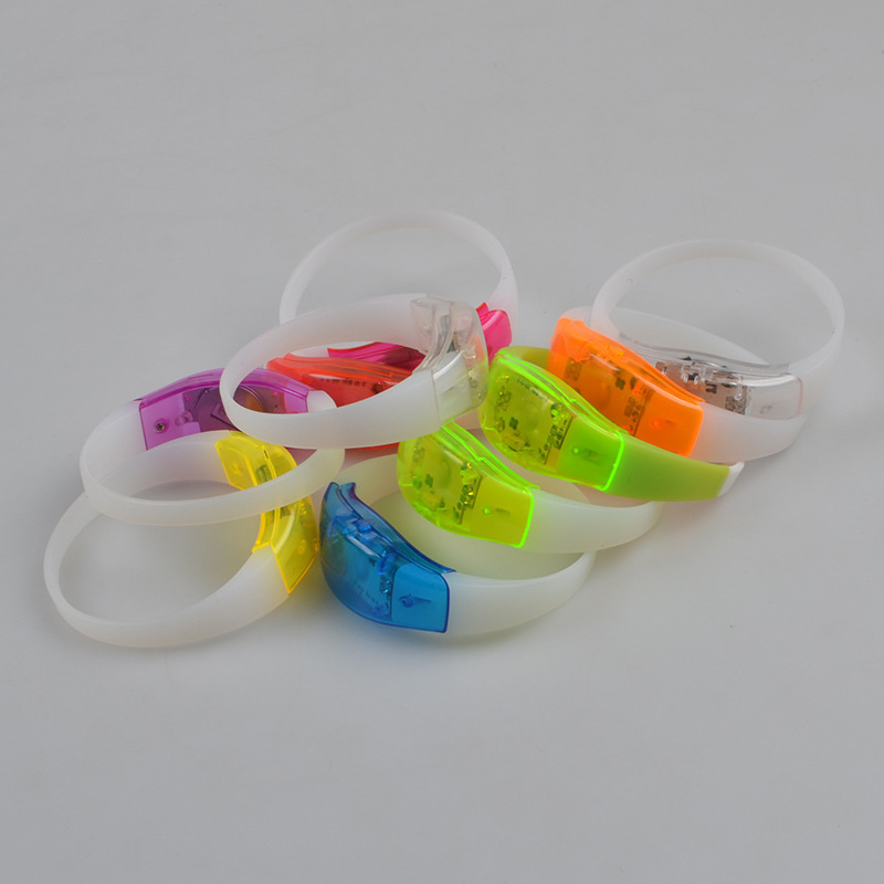 Bicolor Silicone Bracelet Voice Activated Sound Control Led Flashing Wristband Party Bar Disco Concert Night Activity 10pcs/lot(China (Mainland))