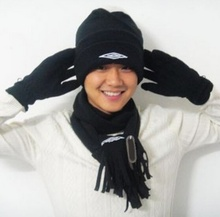 2014   Winter, three-piece suit cover to keep warm hats/scarves/gloves many black polar fleece/catch a nodding, men and women(China (Mainland))