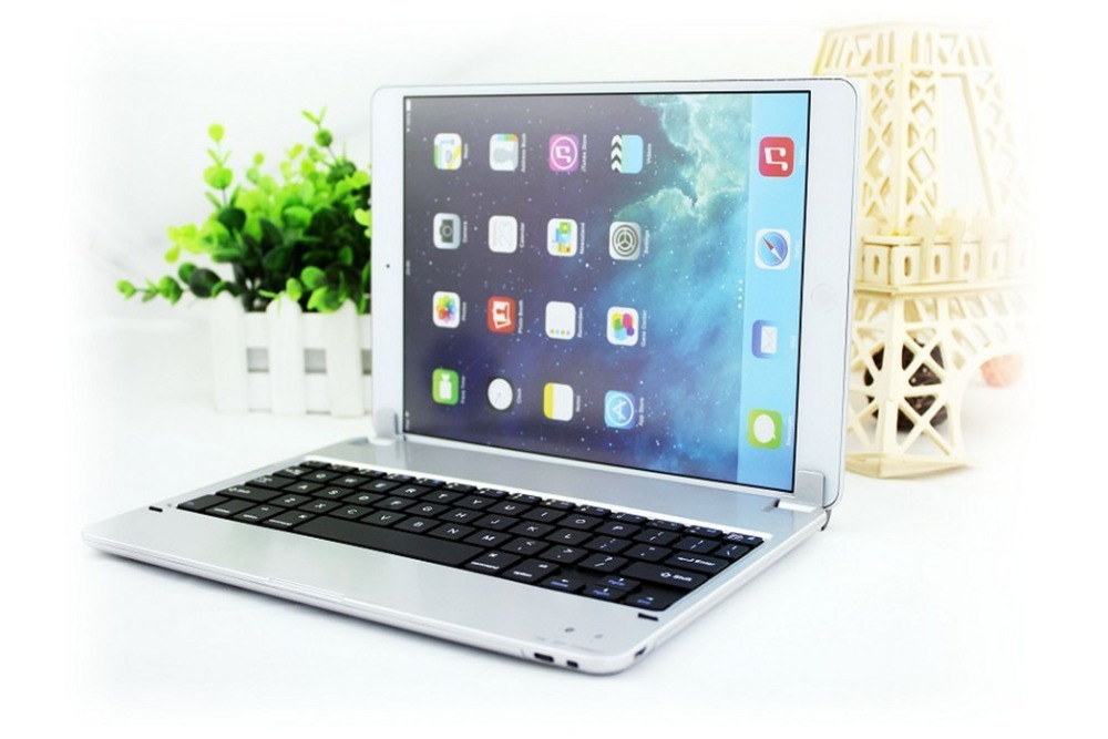original ultra-thin Aluminum wireless bluetooth keyboard for ipad air/5 Plug-in magnet design metal keyboard for ipad air(China (Mainland))