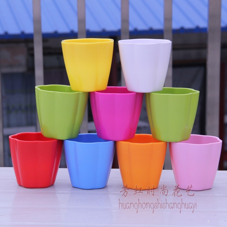 freeshipping 9color and 9pcs in 1lot Small flower pot plastic vase small mug flower decoration flower pot(China (Mainland))