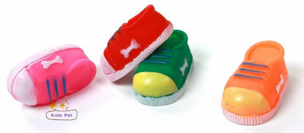 Rubber pet chew toys, can make sound, shoe shape pet screaming toys, dog toys(China (Mainland))