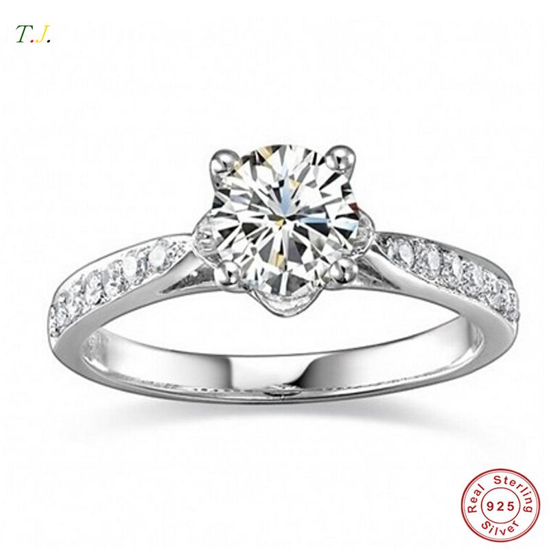 Aliexpress.com Comprar Lujo 1 Carat 925 SONA diamante simulado anillo de compromiso anillos para mujeres T.J. RWD033 de anillo emblema fiable proveedores