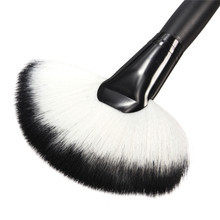 1Pcs Brush Fan Shaped Black Wooden Handle Synthetic Hair Makeup Powder Foundation Cosmetic Brushes Beauty Tool