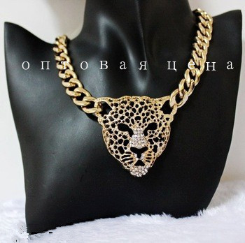 Factory Price 2014 New Rihanna Celebrity Jewelry Women Hollow Leopard Head Chunky Chain Necklace With Rhinestone