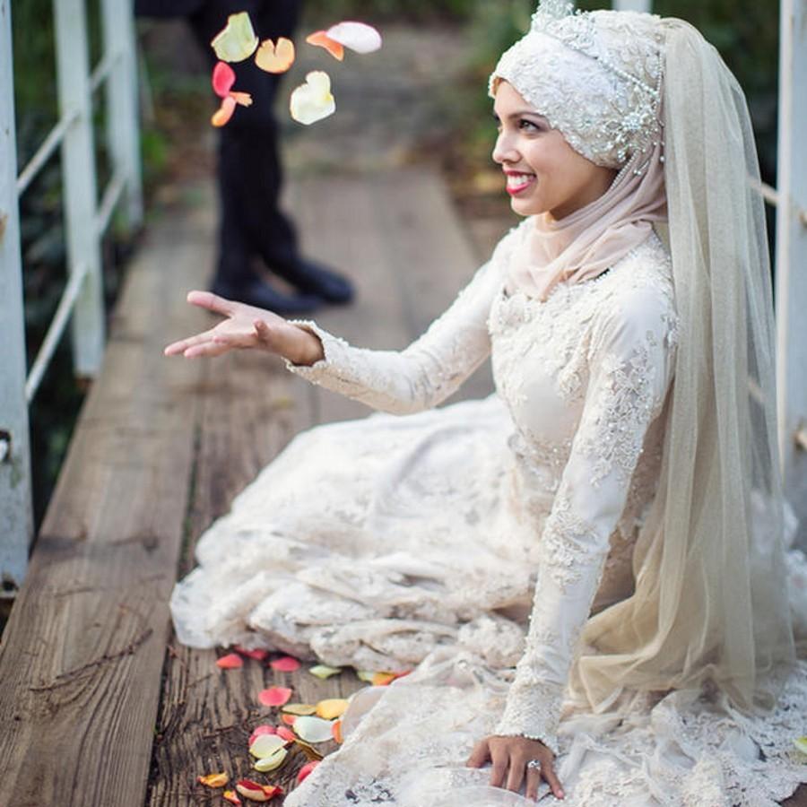 Свадебные платья Noiva 2017 Мусульманин Свадебное Платье Высокая Шея Арабский Хиджаб Мусульманское Свадебное Платье Многоуровневое Органза Длинные Рукава свадебное платье