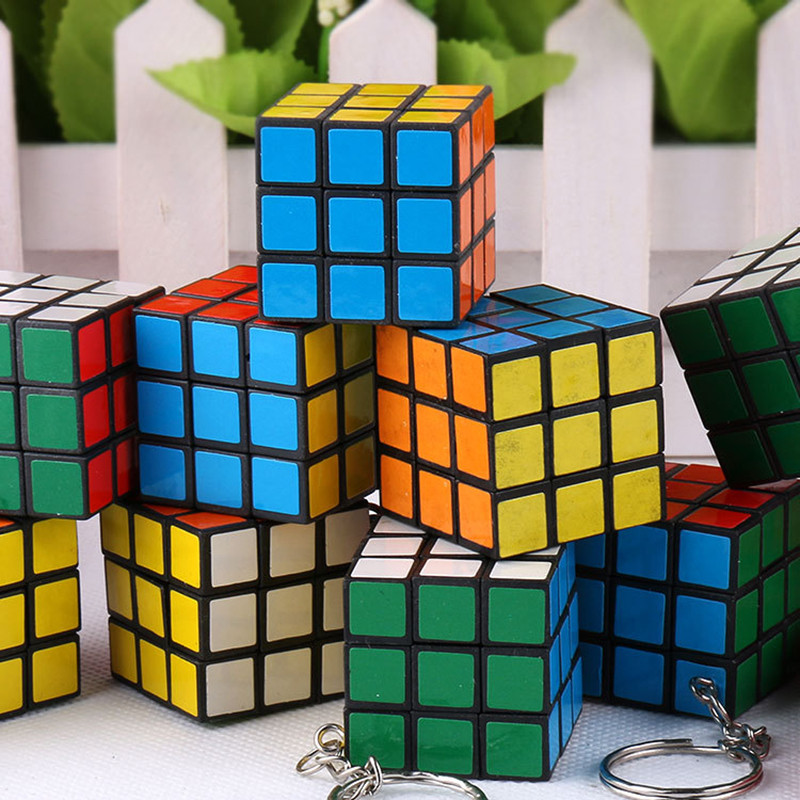 2016 New Hot Mini Puzzle Keychain Speed Toy 3*3*3CM Mini Magic Cube Keyring As Gift For Kids Children Women Adult Free Shipping(China (Mainland))
