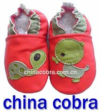 free shipping 100% soft sole genuine leather baby shoes(China (Mainland))