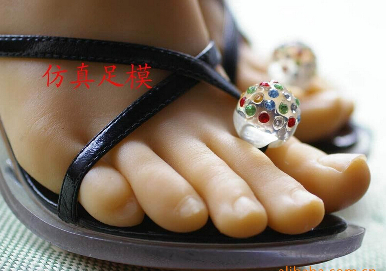 Young sexy girl's silicone feet sex toy foot fetish toys porn real skin sex dolls rubber solid realistic for male sex machines(China (Mainland))