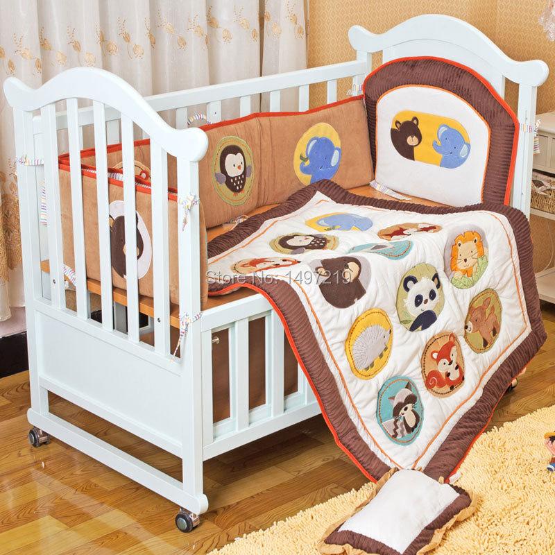 PH036 embroidery crib bedding set (2)
