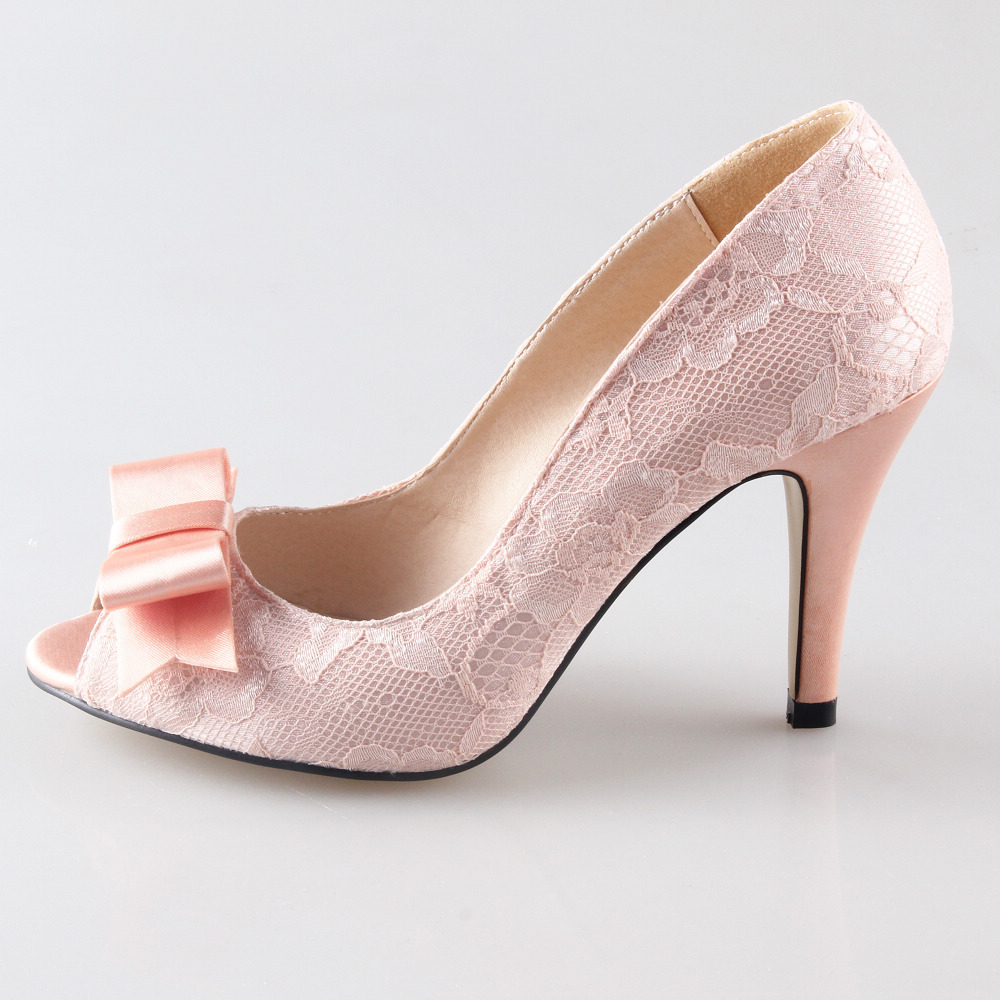 Women's Heels Whether a low heel or high heel, block heel or stiletto, there are so many options of women's high heel shoes, letting you find the perfect footwear to complement your outfits. Heels can be an elegant addition to an outfit, helping to accentuate the legs and improve posture.
