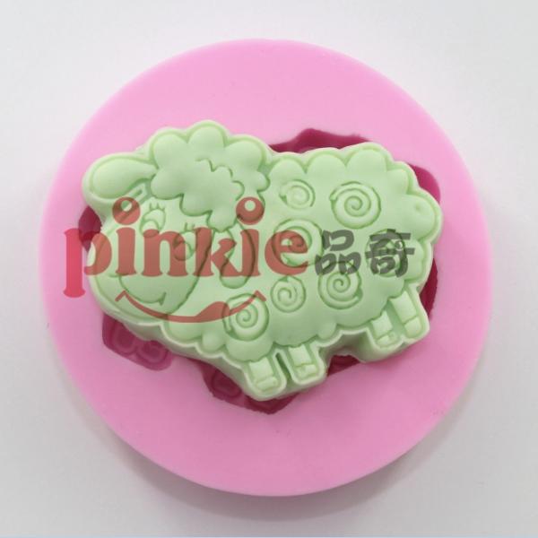 sheep animals soap Fondant Mold,Resin Clay Chocolate Candy Silicone Cake Mould,Fondant Cake Decorating Tools Food Grade(China (Mainland))