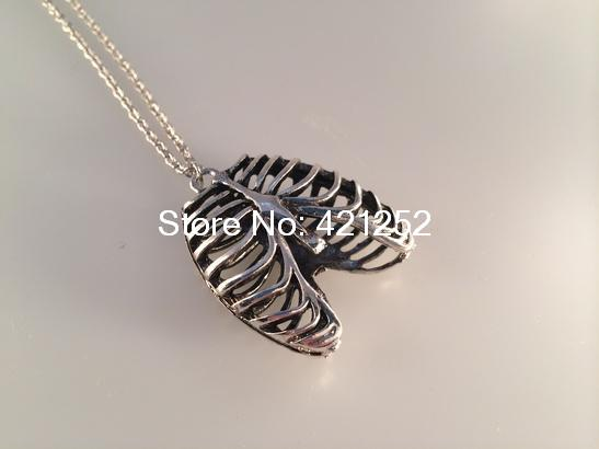 12pcs Anatomical skeleton Rib cage necklace - zombie horror goth gothic victorian spooky Halloween Jewelry<br><br>Aliexpress