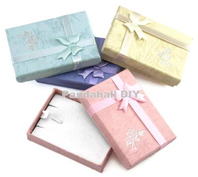 200pcs Cardboard Pendant Necklaces Boxes for Presents Packages Rectangle Gift Boxes with Bowknot, Mixed Color 7x5x2cm(China (Mainland))