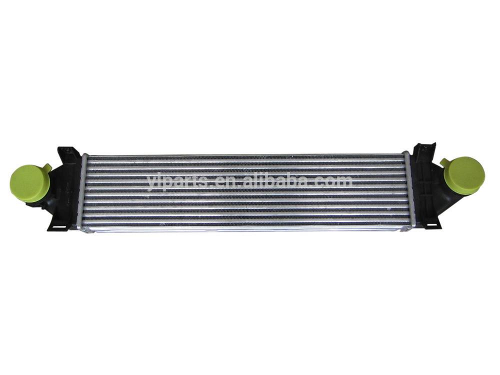 LR030762 High Quality LR Freelander 2 Car Intercooler 2 2L Turbo Diesel charge air cooler in
