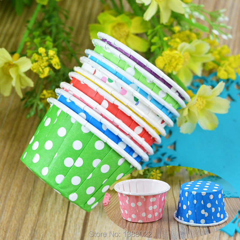 20pcs Mix color Cute Christmas Decoration Dot Party Muffin Cupcake Cases Tools Mini Paper Cake lines Baking Cups(China (Mainland))