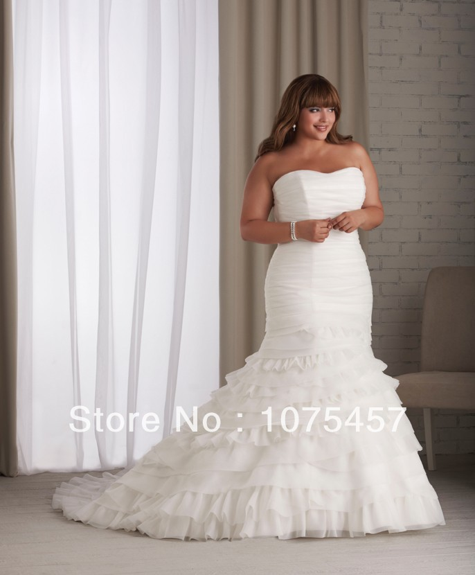 Mermaid wedding dresses plus size white organza scoop for Off white plus size wedding dresses