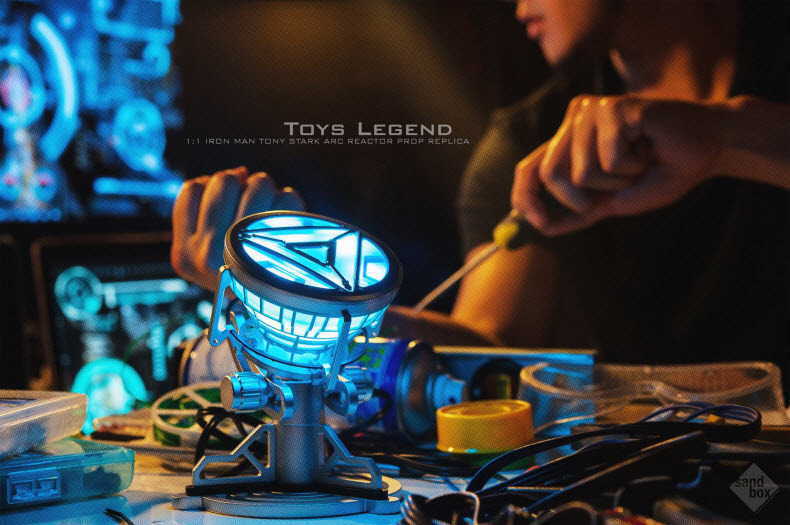 Wholesale Toys Legend 1:1 scale Iron Man Arc Reactor with LED Light Iron Man 3<br><br>Aliexpress