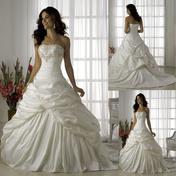 Wedding dress tube top type full body ruffle embroidered for Short fluffy wedding dresses