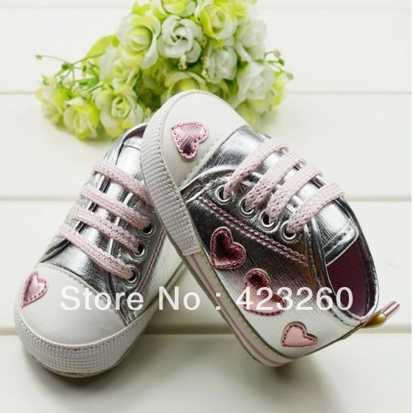 Silver/pink Love Style Soft Baby Shoes Cute Female Baby Princess Shoes 3 size Choose LKM061(China (Mainland))