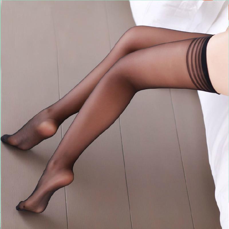 Сексуальные ножки в колготках фото