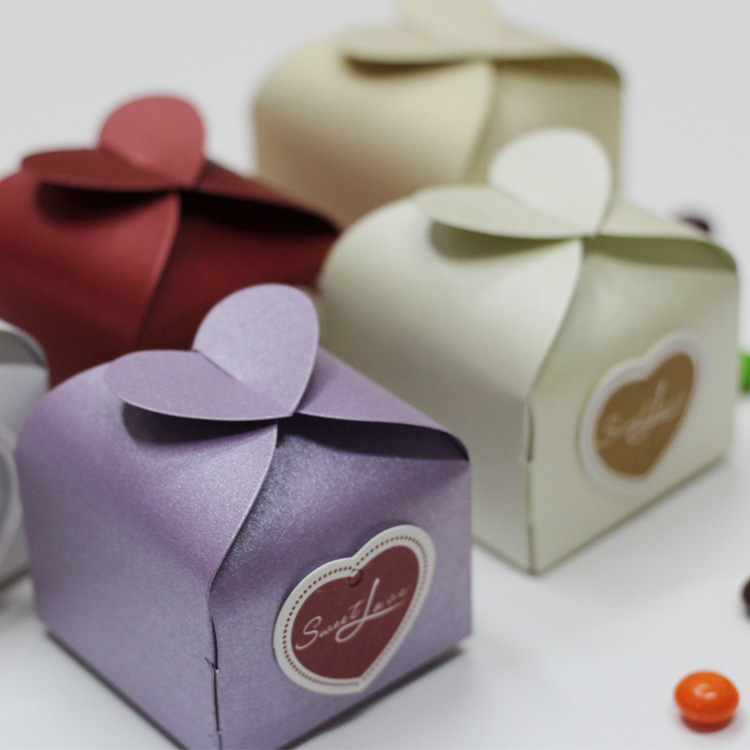 Wedding Favor Bags Or Boxes : Candy Gift Boxes With Card Wedding Party Favors Creative Favor Bags ...