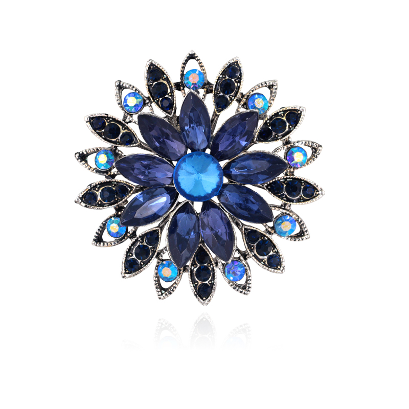 Newest Fashion crystal Brooches Rhinestone Brooch Beautiful Europe and the United States a corsage
