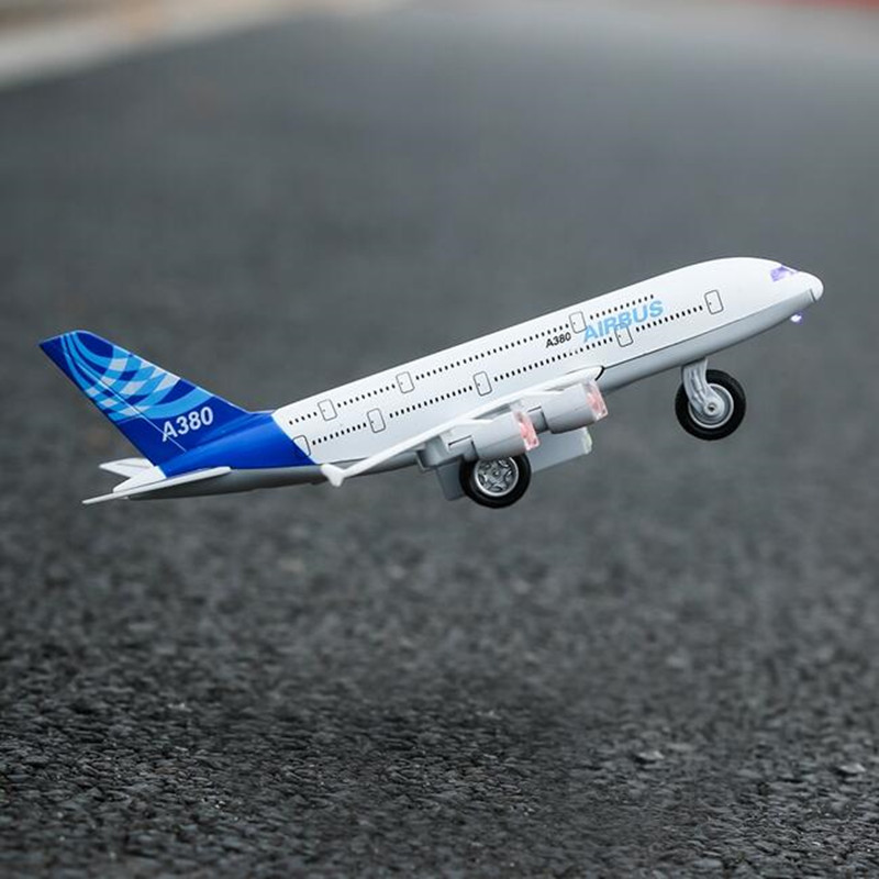 Children's toy Musical Flashing airplane model alloy Shatterproof boy toy plane fighter A380 airliner Collection Gift send base(China (Mainland))