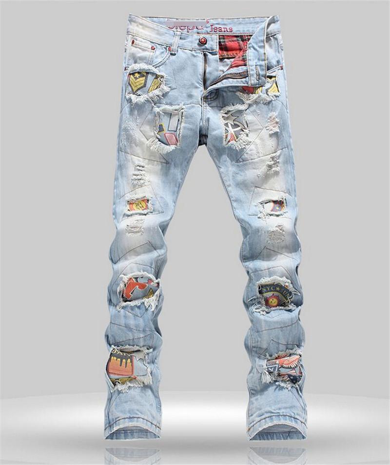 Здесь можно купить  Personality Badge Patchwork Jeans Men Ripped Jeans Fashion Brand Scratched Biker Jeans Hole Denim Straight Slim Fit Casual Pants  Одежда и аксессуары