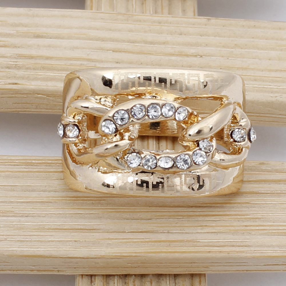 New Arrival Fashion Austrian Crystal Noble Hollow Engagement Ring 18K Gold Plated For Women Bridal Wedding Jewelry Free Shipping(China (Mainland))
