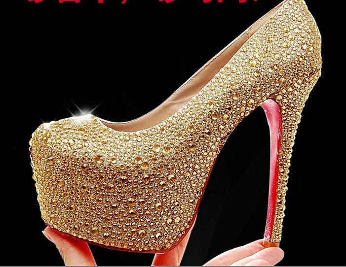 купить золотые туфли на каблуке задачи