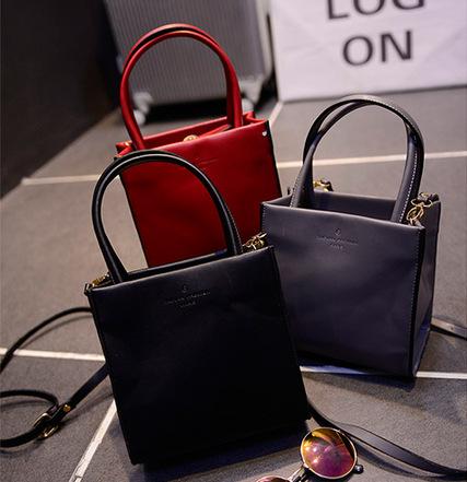 Retro Women Shoulder Bags Simple Fashion Small Square Shoulder Handbag Crossbody Bag(China (Mainland))