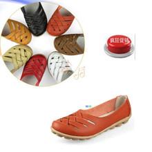 New Designer women shoes 2013 anti slip casual flats low heel mother shoe Free shipping(China (Mainland))