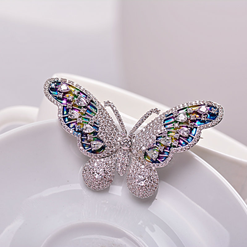 Luxury Full AAA Cubic Zirconia Wedding Brooch Butterfly Brooch Pin Suit Scarf Clip Unleaded Nickel Free Not Allergies(China (Mainland))