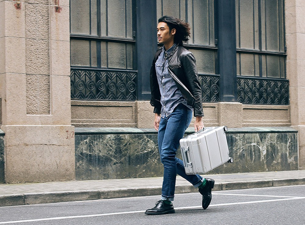 Original Xiaomi 90 Points Intelligent App Metal Suitcase Newest Design Travel Safety Password Trolley Case 360 Degrees Wheel