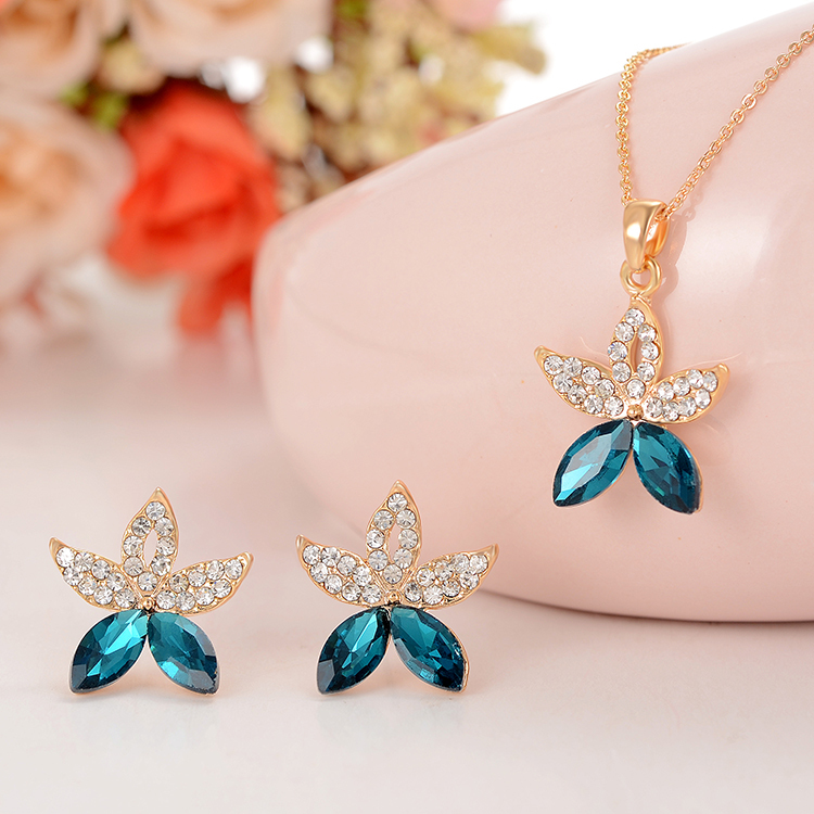 Wedding reception accessories wholesale chair sashes bows ties wedding reception accessories wholesale wedding party accessories wholesale charm hot from reliable necklace junglespirit Gallery